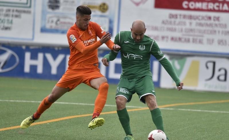 Photo of El At. Mancha Real comienza a preparar la próxima temporada renovando a Rizos y a Oscar Quesada