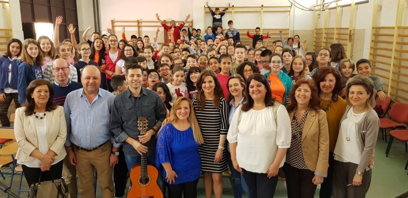 Photo of La Delegada de Educación visita el CEIP San Marcos en el 2º día de su Semana Cultural