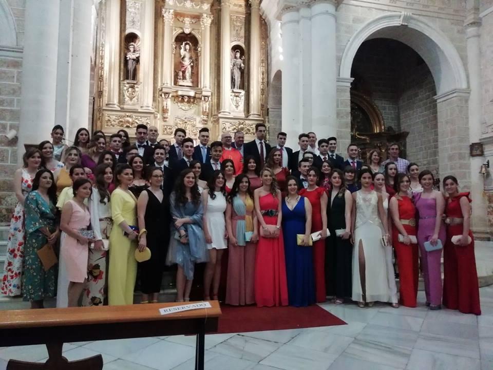 Photo of Los alumnos de bachillerato de los dos institutos de Mancha Real asisten a una Misa Fin de Curso