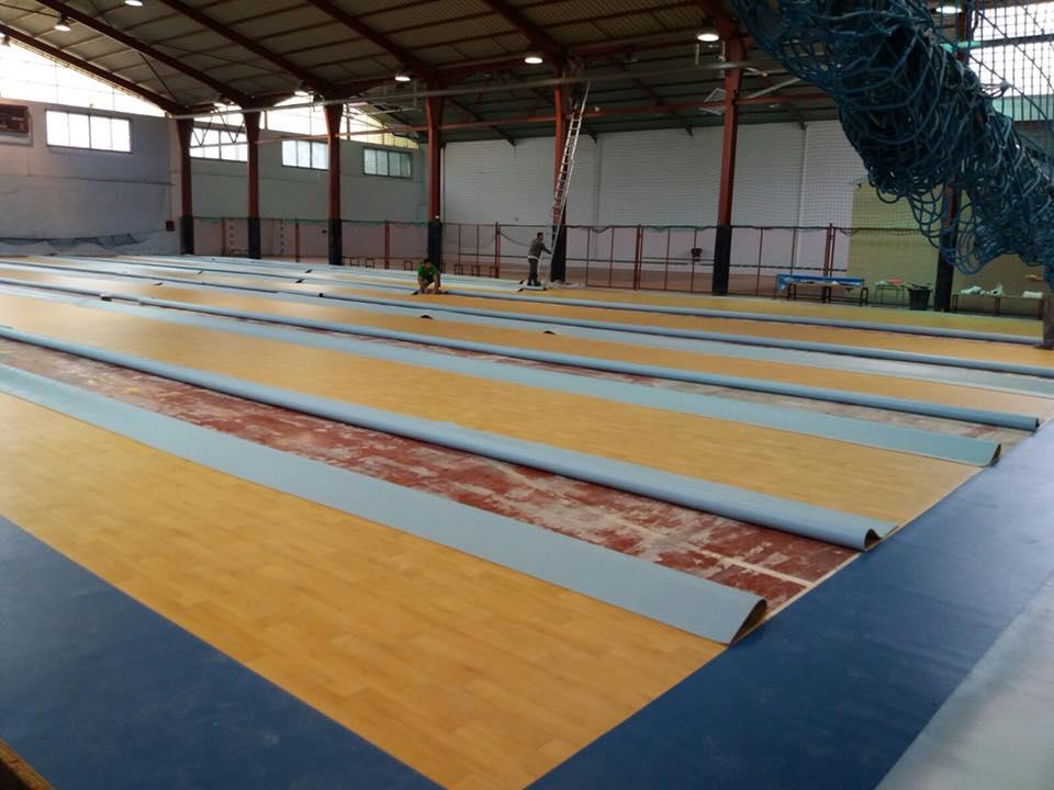 Photo of La pista de fútbol sala del Polideportivo Municipal, estrena nuevo pavimento