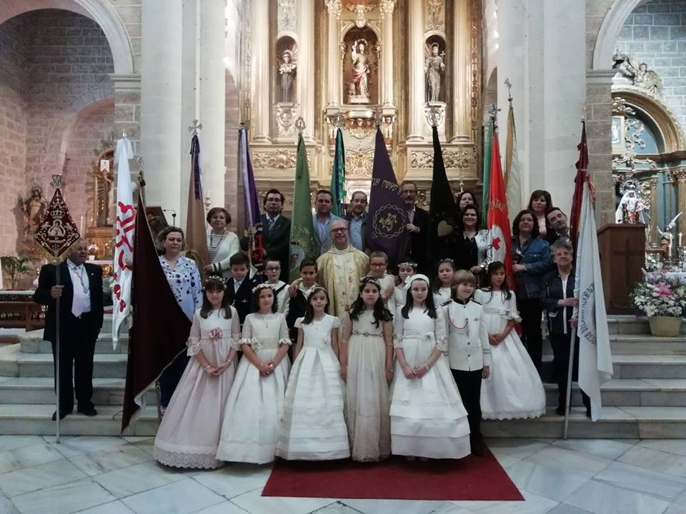 Photo of La Parroquia de San Juan Evangelista celebra la Fiesta de la Octava del Corpus