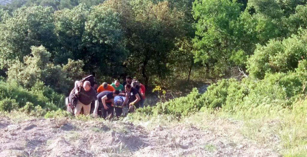 Photo of Un parapentista es rescatado al caer en una zona de difícil acceso en la Peña del Águila