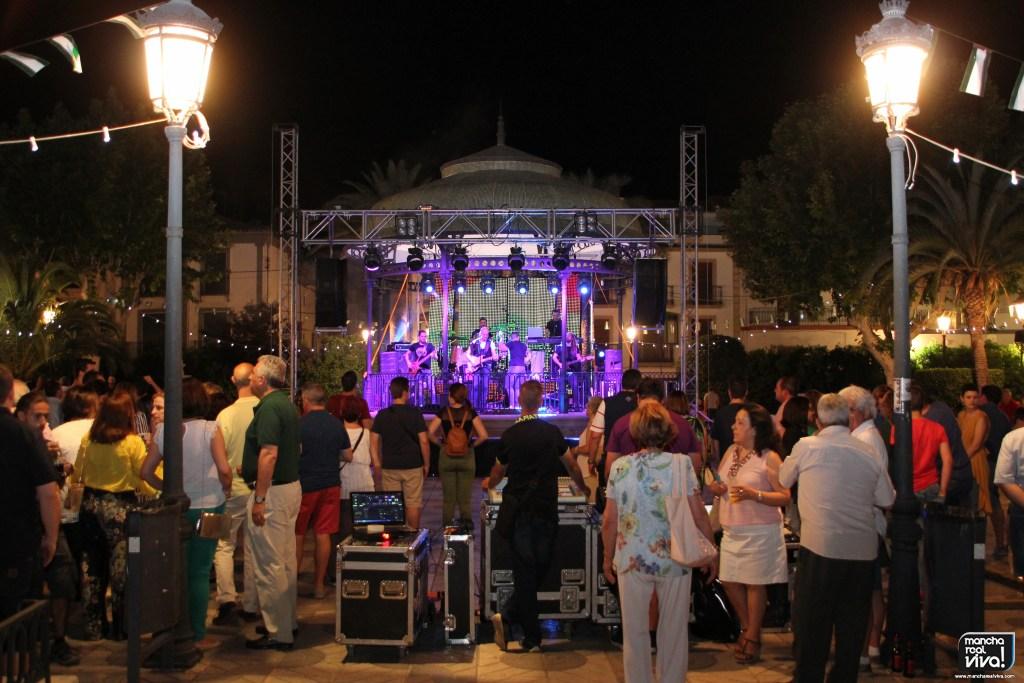 Photo of San Juan vivió su noche mágica en Mancha Real con un gran ambiente en la Verbena 2018