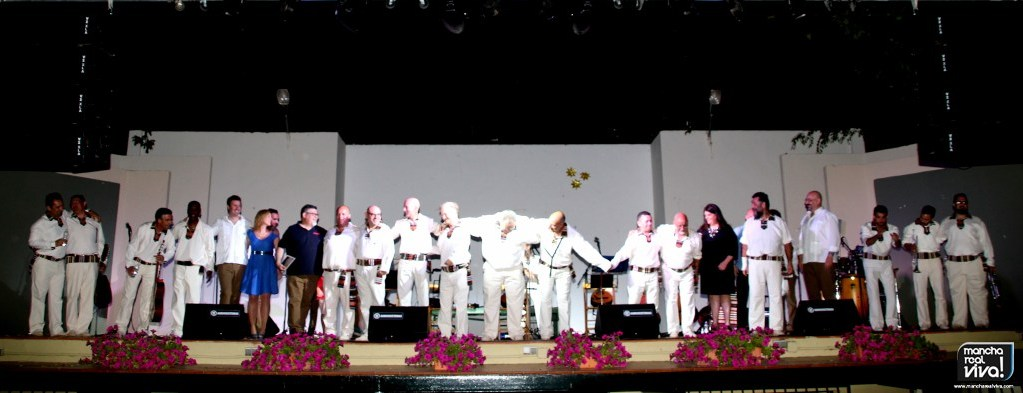 Photo of Los grupos Charanda y Jarapa unieron sus voces en el II Festival de Boleros de Mancha Real