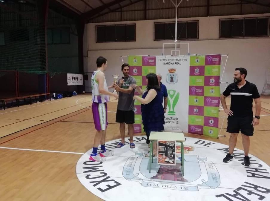 Photo of Emoción y buen juego en el «IV Torneo Mancha Real 12 Horas Basket»