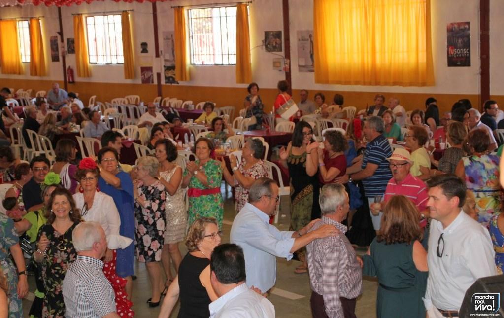 Photo of Ambiente y diversión en el baile de tarde de la Feria 2018