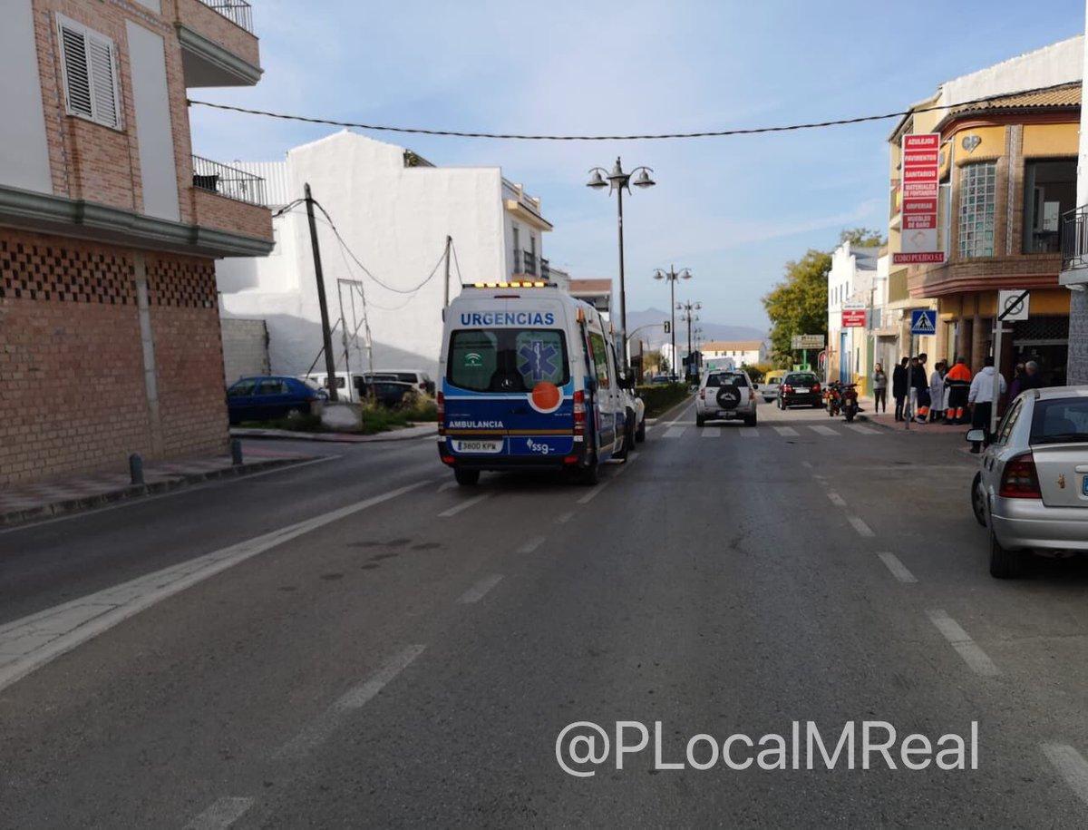 Photo of Un accidente entre un turismo y un ciclomotor deja un herido y daños materiales