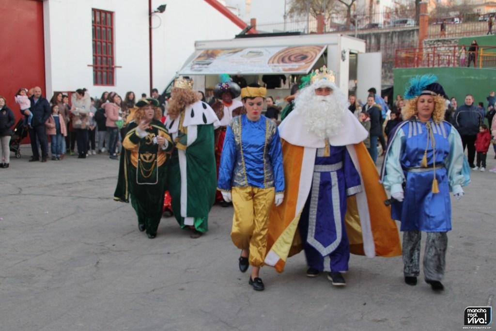 Photo of Los Reyes Magos de Oriente llegaron para acompañar a mayores y niños repartiendo ilusión