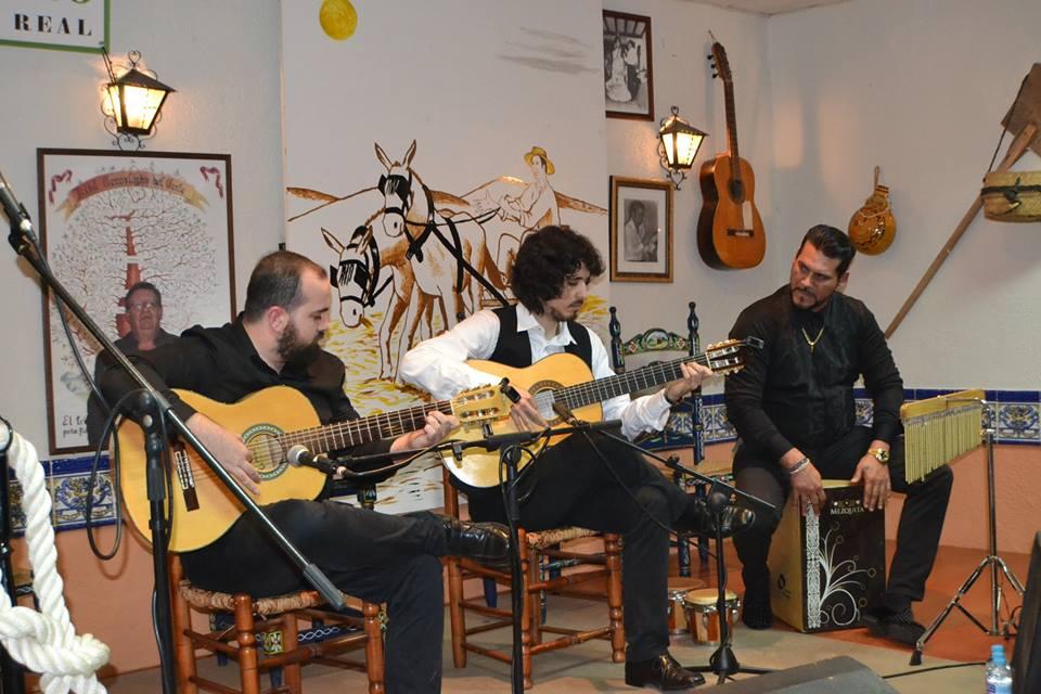 Photo of La Peña Flamenca El Trillo disfrutó del afamado guitarrista Marcos Serrato