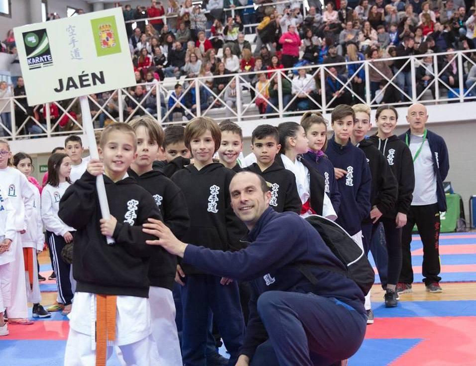 Photo of Gran actuación de los atletas del GYM Okinawa en el Campeonato de Andalucía de Kárate