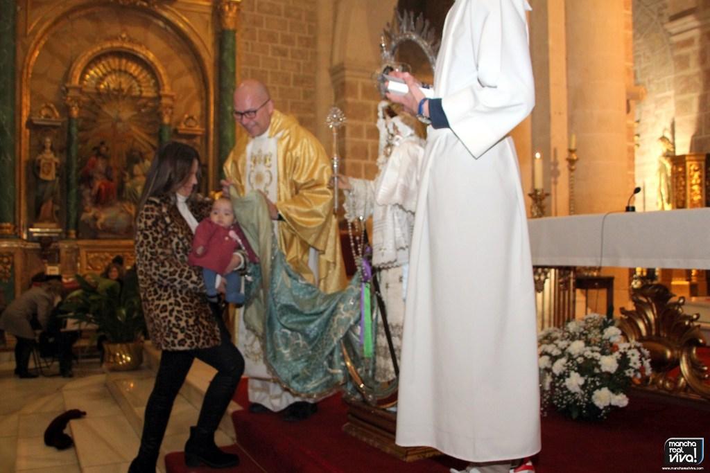 Photo of Los nacidos en el último año fueron presentados ante la Virgen en el Día de la Candelaria