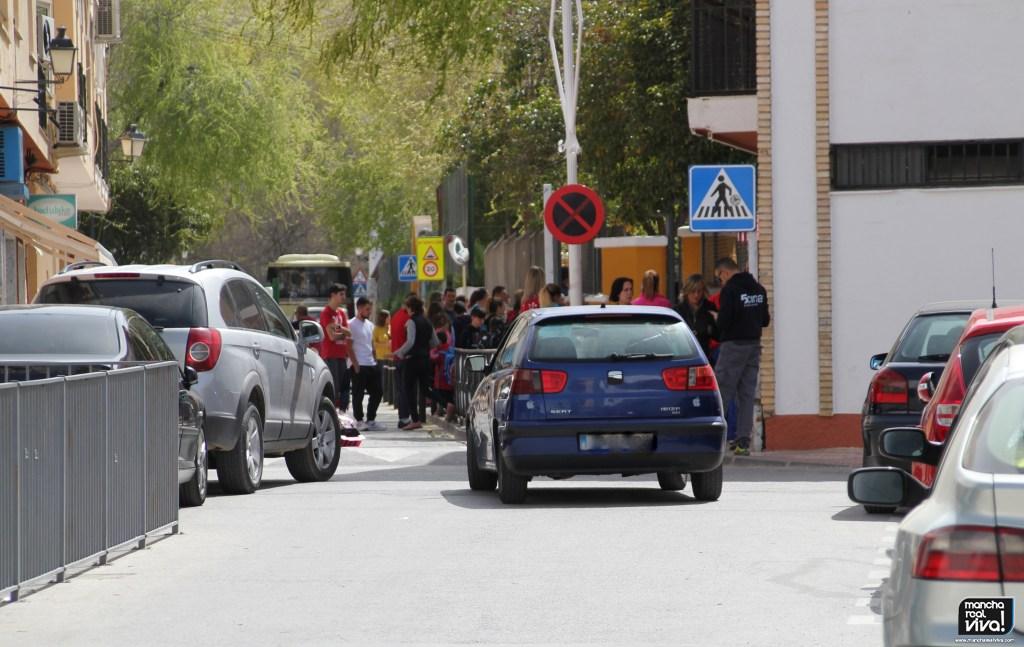 Photo of Se presenta el cartel «Al cole sin coche», una iniciativa de la Policía Local para inculcar hábitos saludables