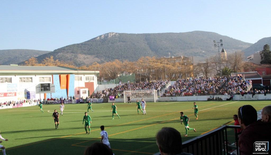 Photo of En un derbi intenso el Real Jaén se impone por la mínima al At. Mancha Real