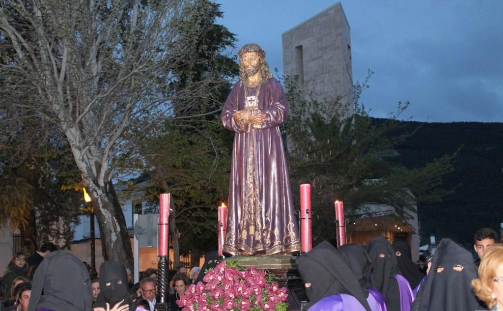 Photo of La Parroquia de la Encarnación celebra su Vía Crucis de Jueves Santo acortando su itinerario