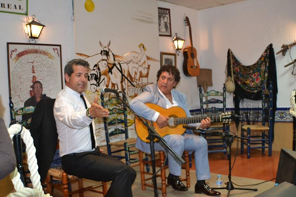 Photo of Cascabel de Ávila y Juan Pérez hacen disfrutar a los aficionados de una noche flamenca en el TRILLO