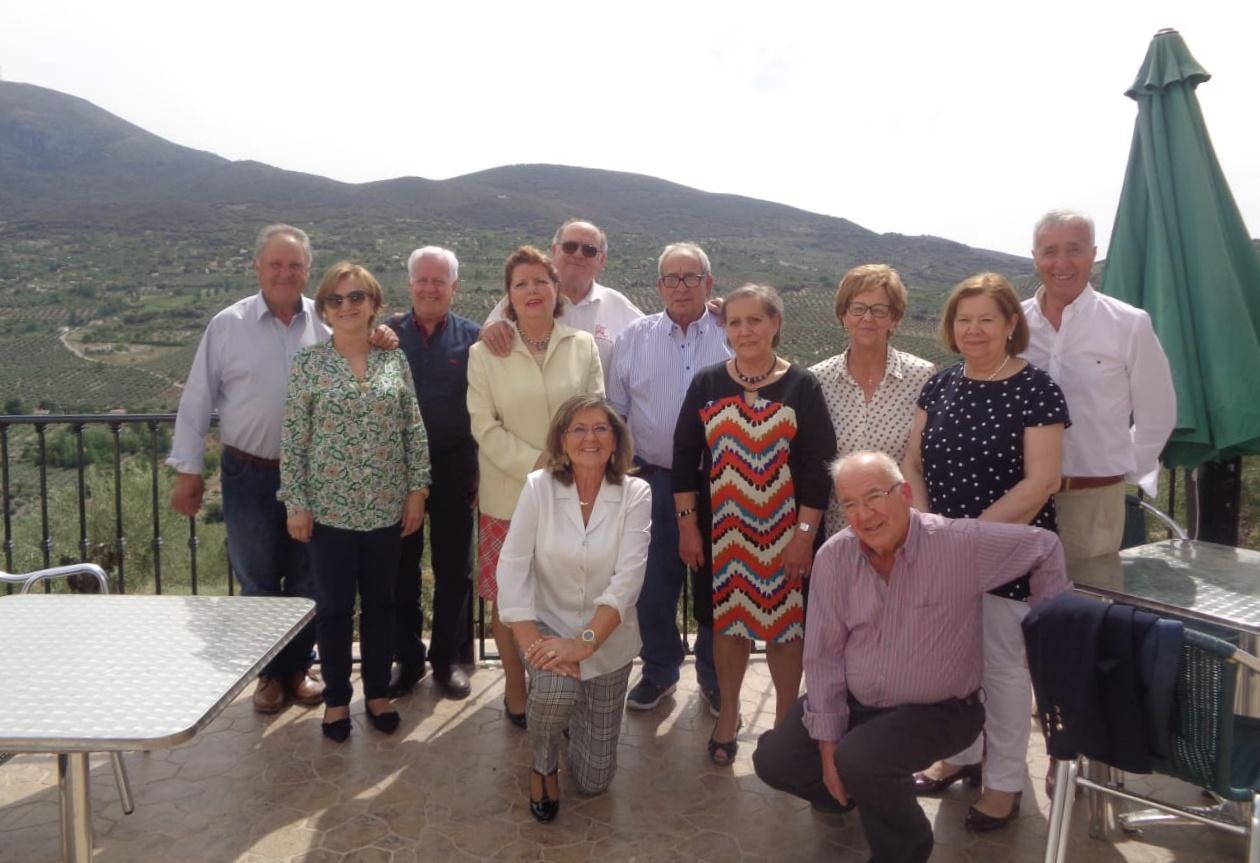 Photo of Un grupo de amigos vuelven a reunirse después de 50 años