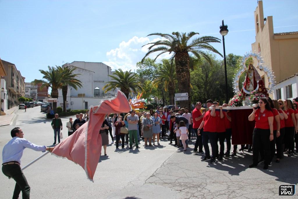 Photo of La Cofradía de la Virgen de la Cabeza recupera tradiciones y reparte «Pitos» en el Día de su Fiesta