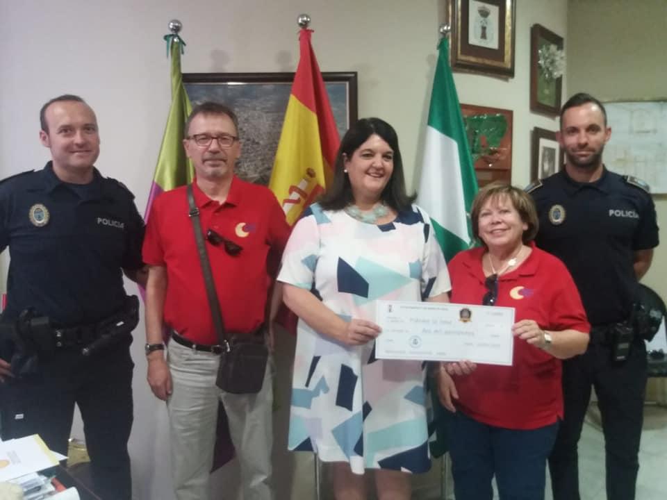 Photo of La recaudación de los Escudos Solidarios es entregada a las Asociaciones «ALES» y «Pídeme La Luna»