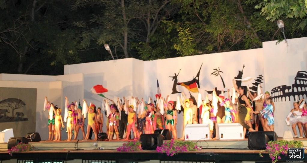 Photo of Dancer Dreams da vida sobre el escenario a su espectáculo «En un país llamado mundo»