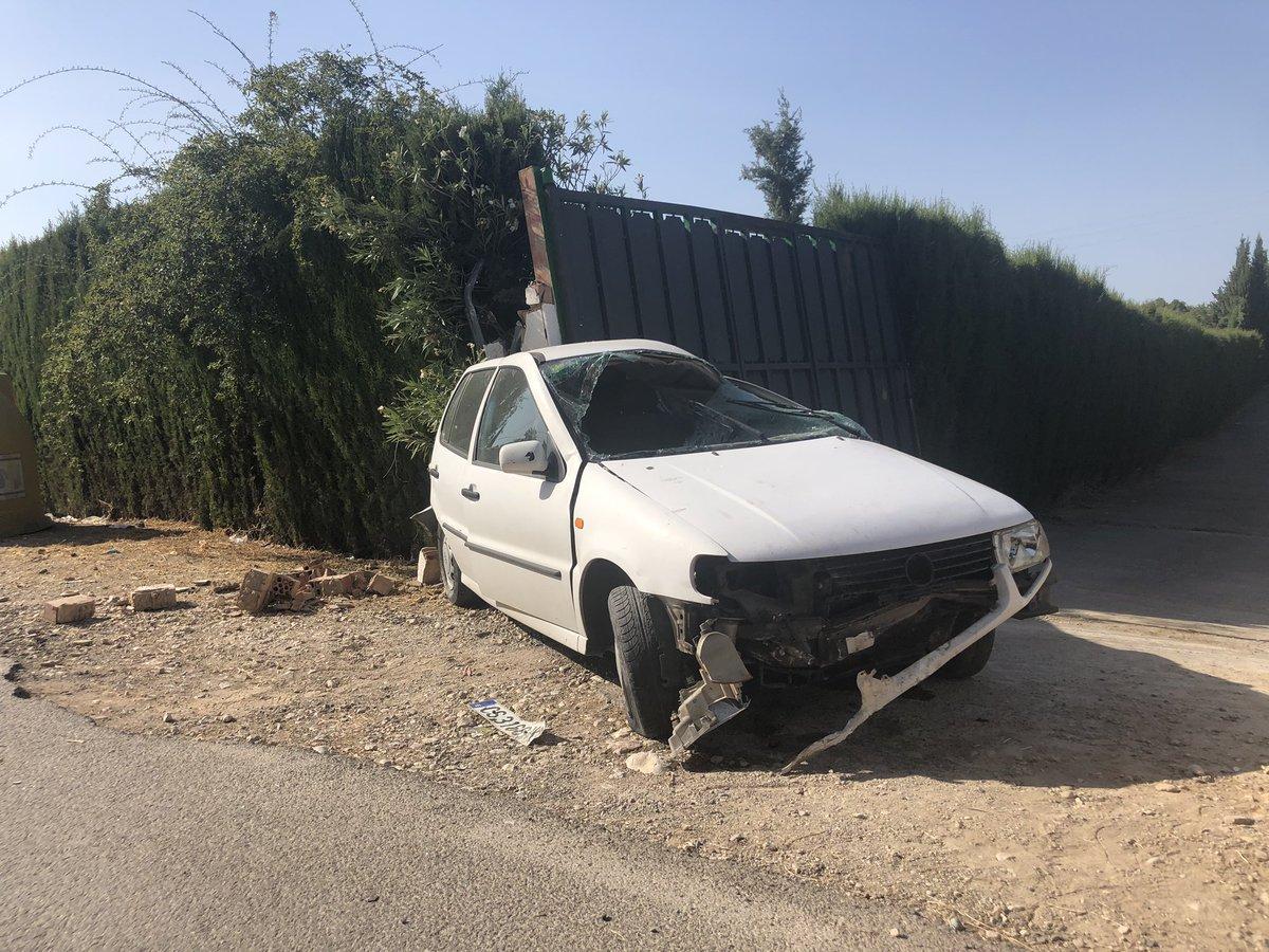 Photo of Un herido en el accidente de un vehículo en la carretera de la sierra