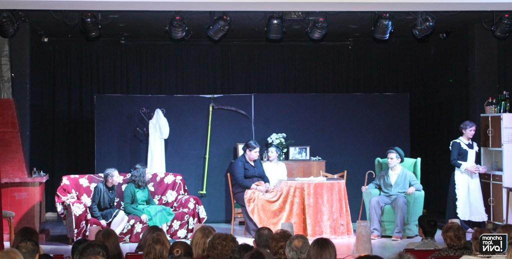 Photo of El Festival de Teatro Aficionado de Mancha Real presentó el drama «La Dama del Alba»