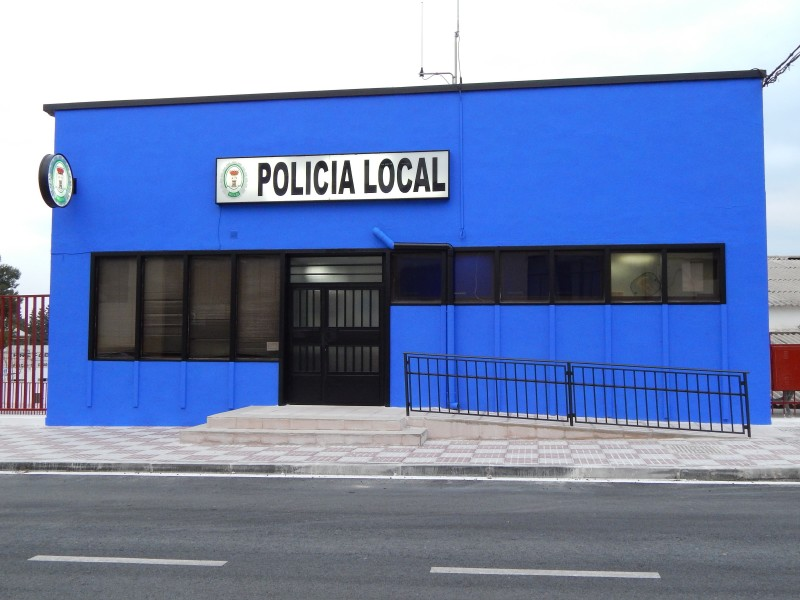 Photo of Dos agentes de la Policía Local son agredidos en una reyerta vecinal