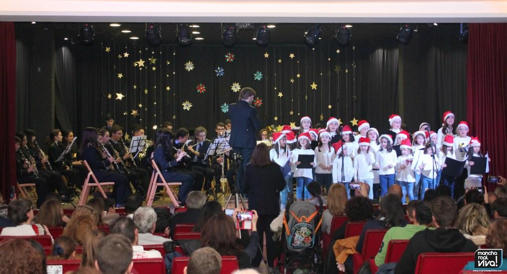 Photo of la A.M. Villa de Mancha Real celebra la Navidad con un gran concierto