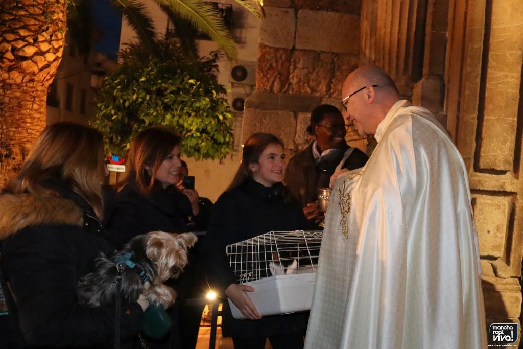 Photo of En el día de San Antón las mascotas fueron bendecidas en ambas Parroquias
