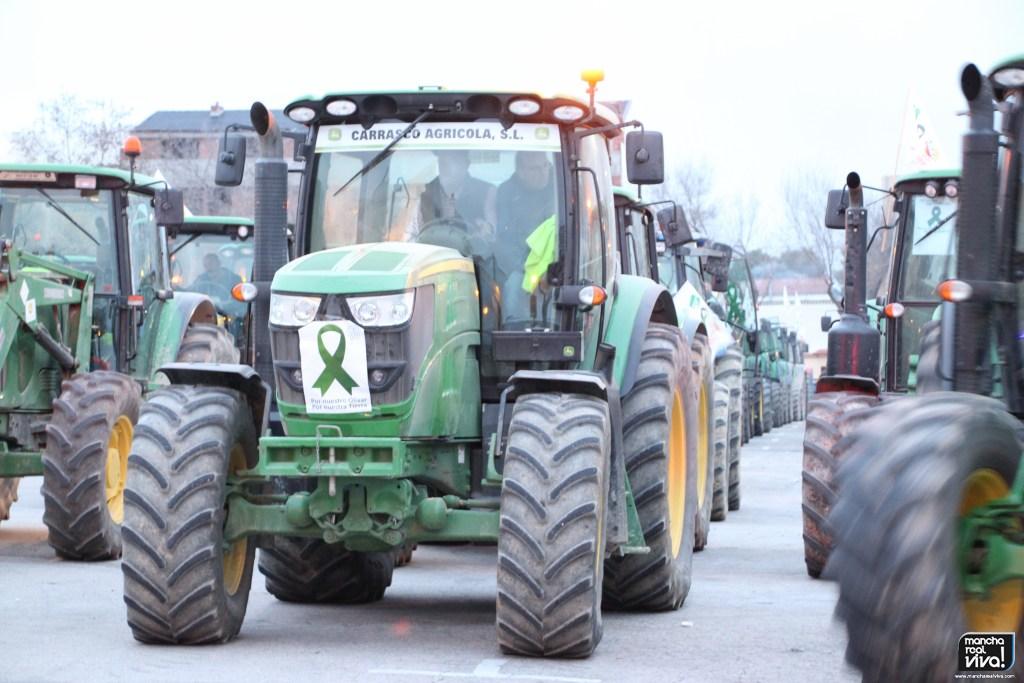 Photo of El sector olivarero llama a todos los pueblos de la provincia a concentrarse masivamente en defensa del olivar
