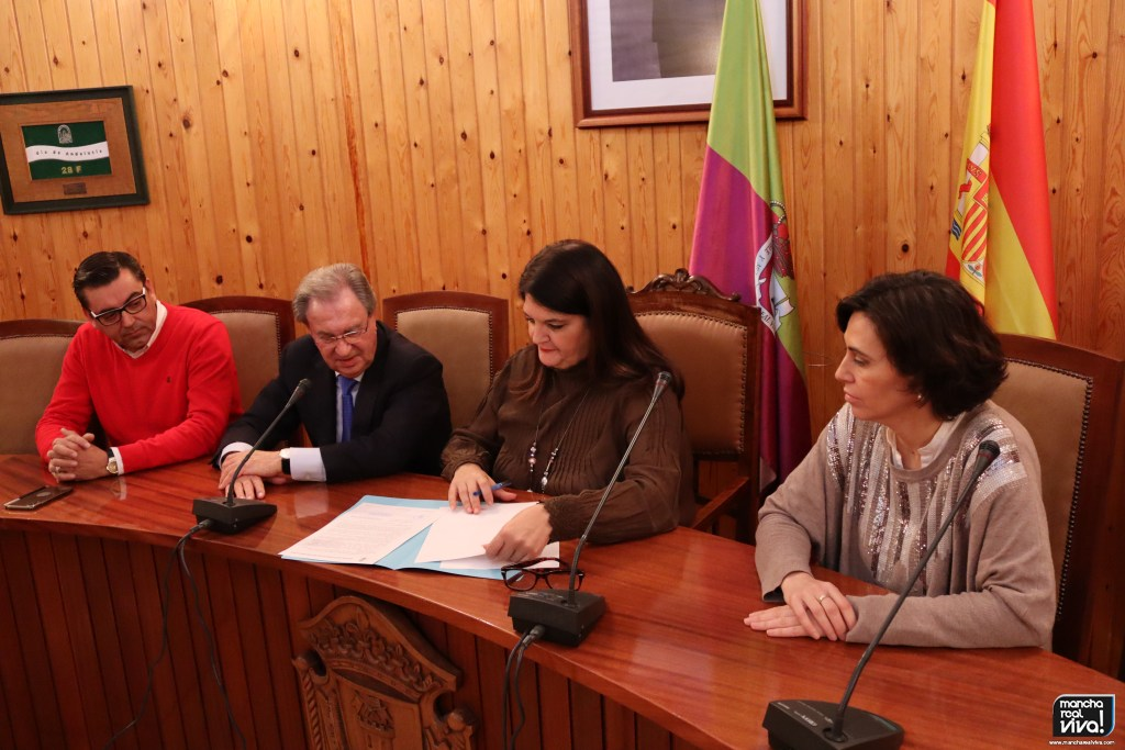 Photo of Después de 20 años de irregularidad, se firma el Acta de Recepción del Polígono Industrial (UE 15)