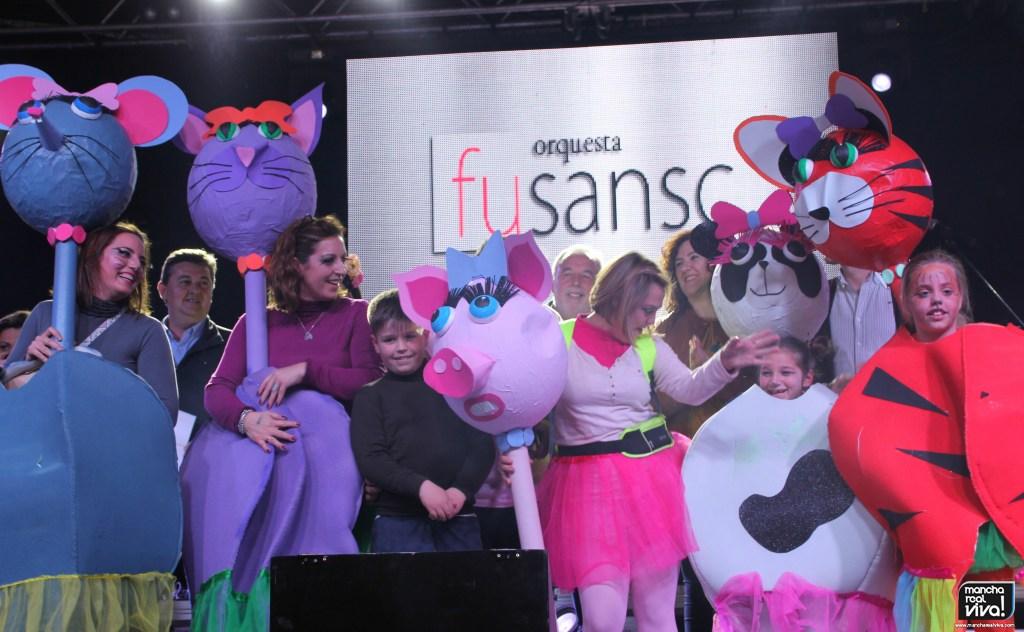 Photo of Mucha imaginación y trabajo en los disfraces del Carnaval 2020