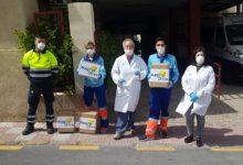 Photo of Una empresa mancharrealeña dona 150 batas y 400 gorros al Centro de Salud