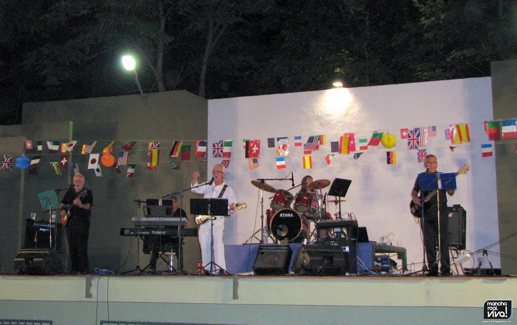 Photo of «Resistiré» es el himno contra el Coronavirus que recordamos del Guateque San José 2012