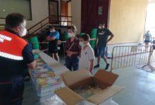Photo of El Ayuntamiento reparte para los niños un pack con un cuaderno de actividades y una mascarilla