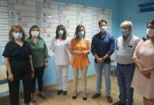 Photo of Los sanitarios del Centro de Salud rinden homenaje a las profesionales de la residencia «Magdalena Pulido»