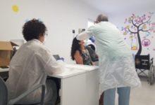 Photo of El Centro de Salud hace pruebas PCR al profesorado ante el inminente comienzo del curso
